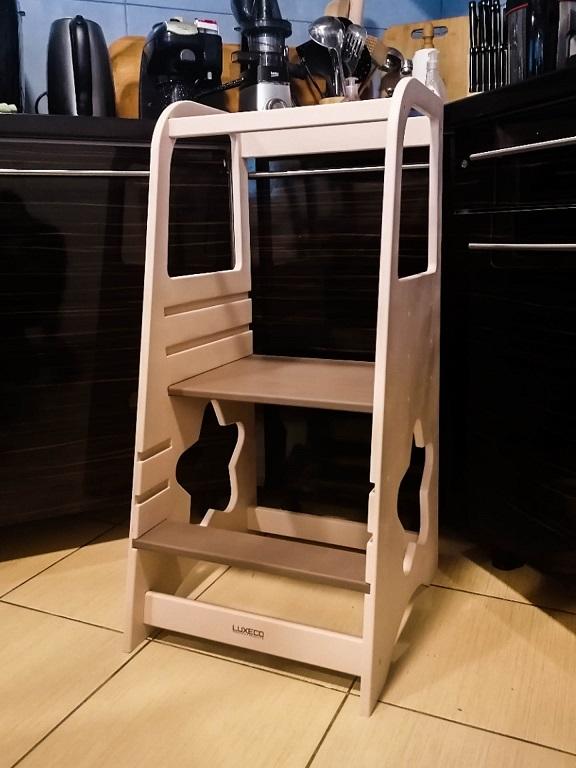 Turn de invatare ajustabil din lemn vopsit baby PINK si scari maro - learning tower Montessori - www.luxeco.ro